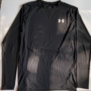 Men's under Armour shirt! Great condition.